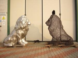 Sculture leoni in acciaio