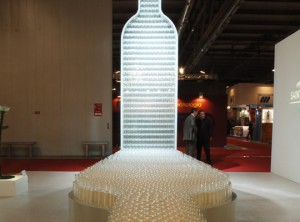 Scultura di bottiglia alta 5,5 mt